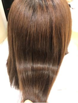 自然なツヤ髪ストレートパーマの画像